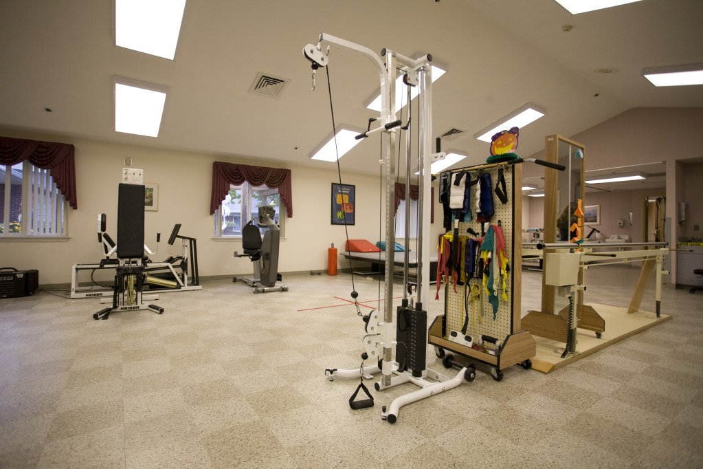Kindred Transitional Care and Rehabilitation - Harrison - Photo 3 of 8