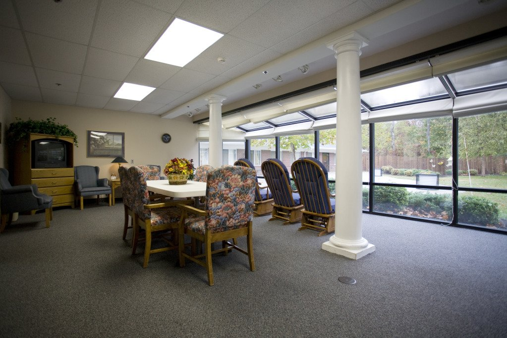 Kindred Transitional Care and Rehabilitation - Harrison - Photo 6 of 8