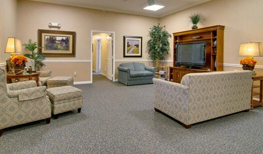 Parkway Cove, assisted living by Americare - Photo 5 of 8