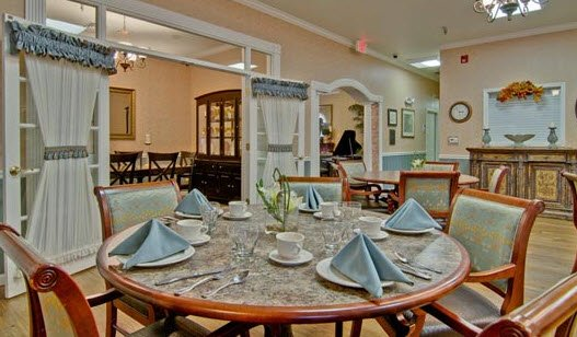 Alexandria Place, assisted living by Americare - Photo 2 of 8